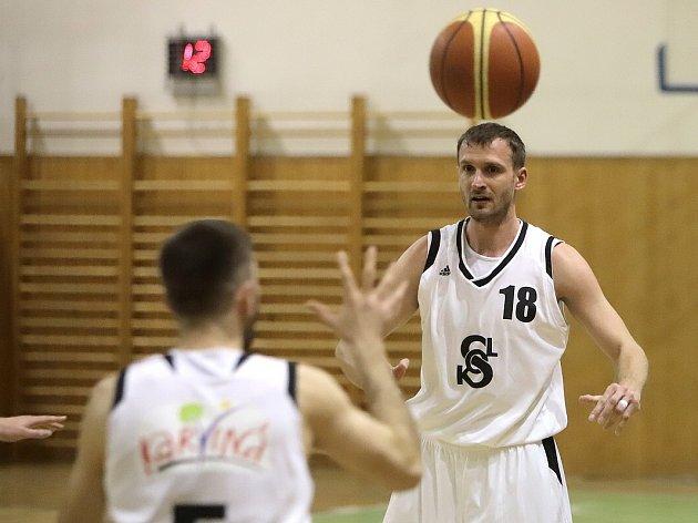 Karvinští basketbalisté by se vnové sezoně druhé ligy rádi umístili vysoko jako posledně.