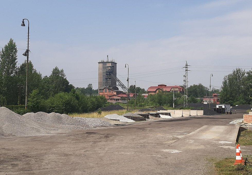 Orlová-Město. Pohled na těžní věz dolu Žofie.