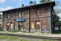 Budova starého nádraží v Karviné-Fryštátě.
