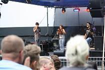 Festiválek v letním. Místní amatérské kapely hrály v havířovském letním kině. Back To Basics.