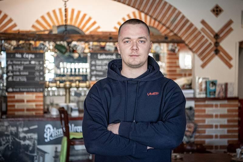 Restaurace U Příborů, 26. března 2021 v Havířově. Majitel restaurace Vojtěch Příborský.
