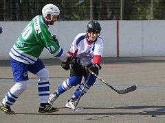 Hokejbalistům Karviné venkovní zápas vyšel.