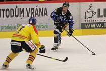 Petr Kanko (v černém) rozhodl dvěma góly o výhře Havířova.