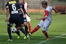 Michal Tomáš (vpravo) má slušnou formu, zase dal gól.