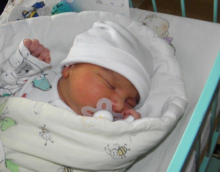 Erik Demeter se narodil 15. listopadu mamince Erice Demeterové z Karviné. Po porodu dítě vážilo 3590 g a měřilo 49 cm.