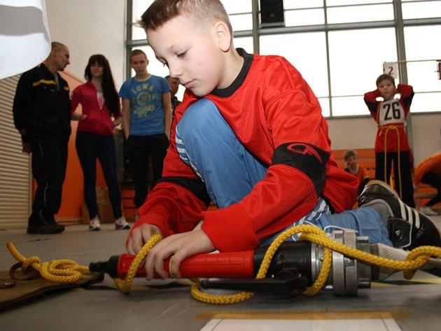 Halová soutěž mladých hasičů v požárním sportu v Havířově