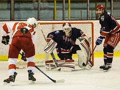 Karvinští hokejisté zakončili základní část podle očekávání na posledním místě.