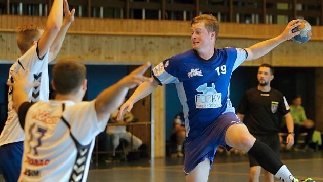 Házenkáři MHK dovezli bod z Rožnova a tři kola před koncem II. ligy vedou tabulku o skóre před Vsetínem.