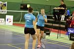 Česká děvčata se radují z další výhry.