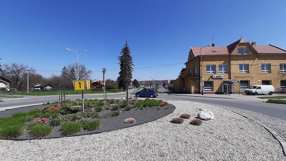 Orlová-Poruba. Kruhový objezd u restaurace Horník