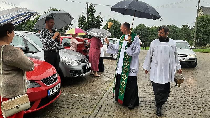 Žehnání vozidlům, Stonava, 1. srpna 2021.