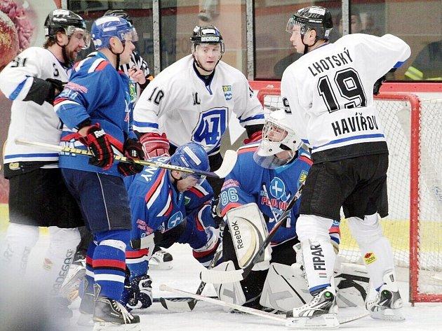 Hokejisté Karviné i Havířova začínají semifinále play off.