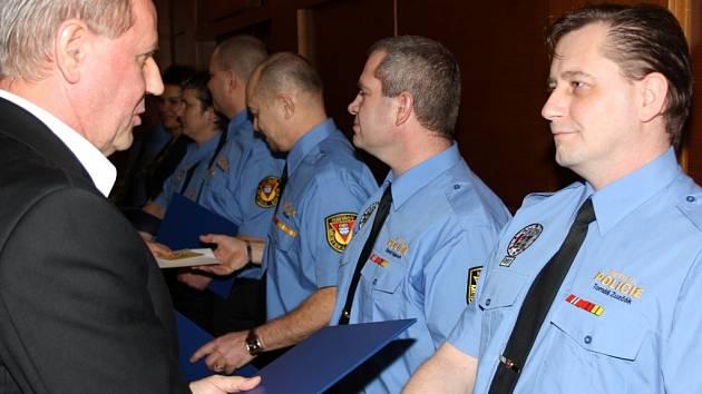 Slavnostní vyhodnocení činnosti Městské policie Havířov za rok 2013 v KD Radost.