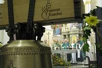 Mši sloužil biskup Ostravsko-opavské diecéze František Lobkowicz, přítomný byl samozřejmě ale také karvinský kněz Przemysław Traczyk a bývalý karvinský farář Daniel Vícha.