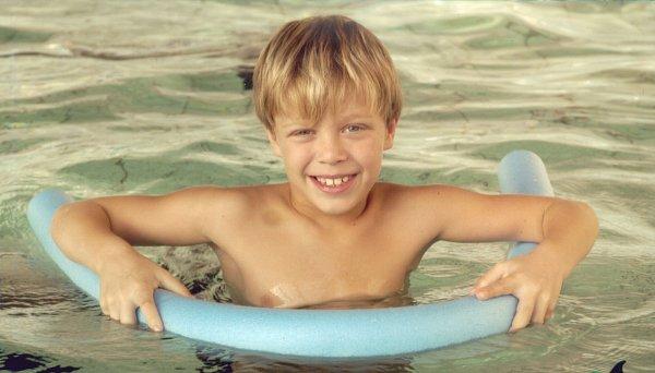 Jako malý rád plaval.