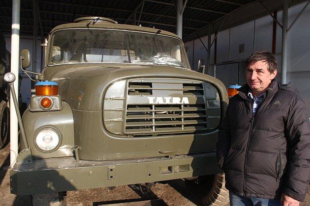 Dolní Lutyně. Pavel Šostok, sběratel starých aut.