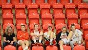 Havířovské hráčky čekají na svůj zápas.