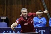 V televizním utkání vyhráli stolní tenisté Havířova (v rudých dresech) nad Ostravou.
