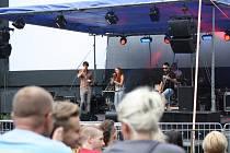 Festiválek v letním 2015. Místní amatérské kapely hrály v havířovském letním kině.  Back To Basics.
