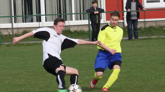 V derby byli zase úspěšnější fotbalisté Albrechtic, i když lepší nebyli.