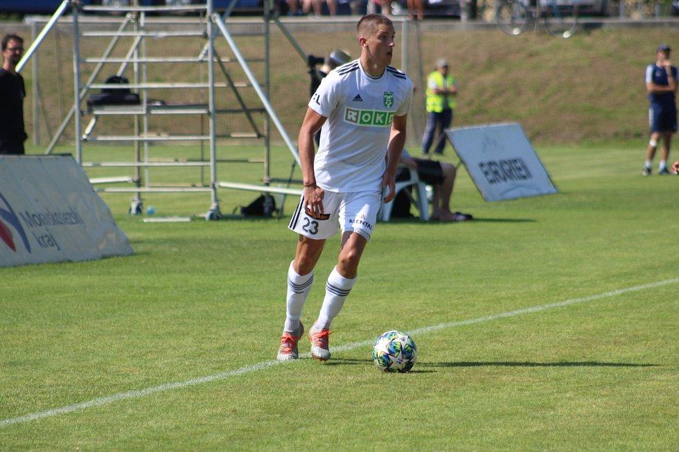 Karvinští (v bílém) zdolali polské Jastrzebie 2:0.