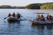 Soutěž týmů policejních speciálních pořádkových jednotek na Těrlické přehradě.