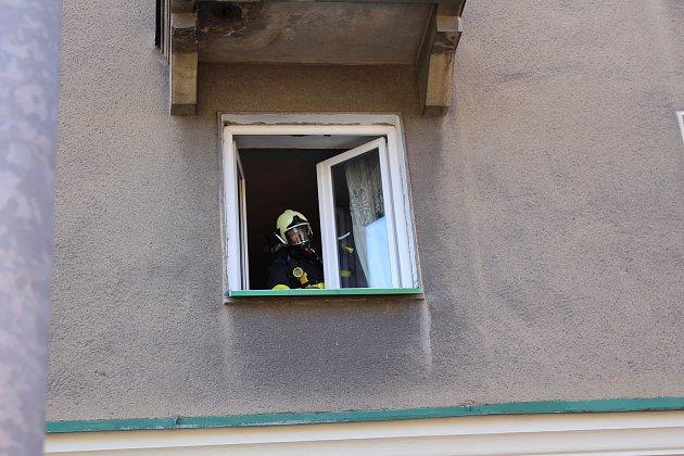 Hasiči zasahovali u požáru v bytě na Hlavní třídě v centru Havířova.