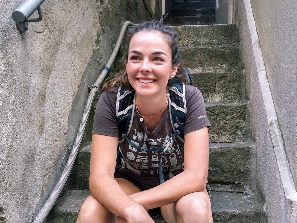 Mladá studentka Nicolette Havlová se v úterý 1. června vydá pěšky z Havířova přes rumunský Banát až do Istanbulu.