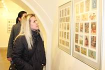 Galerie na zámku Fryštát zve na výstavu historických velikonočních pohlednic.
