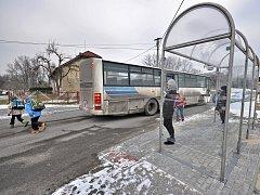 Autobusová zastávka v Kopytově.