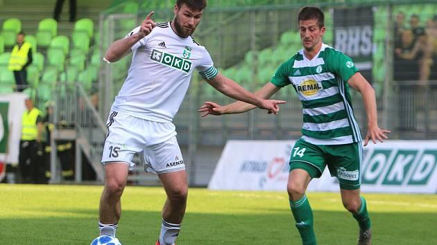 Tomáš Wágner (v bílém) je už jednou nohou v Mladé Boleslavi.