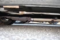 Zloději kradli katalyzátory z aut převážně v Havířově.