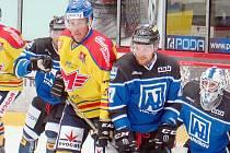 Roman Maliník (druhý zprava) a jeho spoluhráči se vydávají na těžký trip.