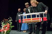 K propagaci nové tramvaje má přispět i Těšínské divadlo, v jehož populárním představení Těšinské niebo tramvaj lhraje důležitou roli.