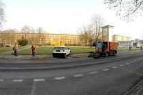 Nezodpovědní motoristé komplikují blokové čistění ulic a parkovišť.
