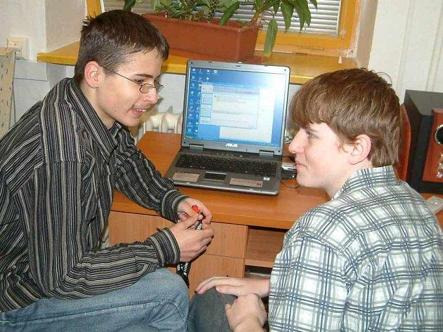 Mladí informatici z celého Karvinska předvedli svůj nemalý talent a um na dalším ročníku soutěže orlovské školy Net Office.