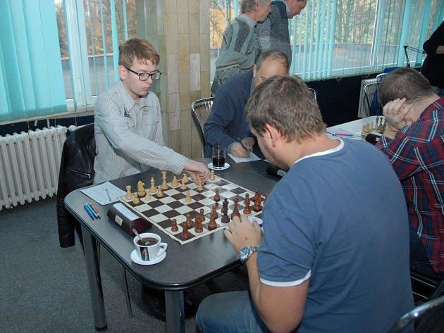 Karvinský Matěj Mroziak v mistrovském utkání proti Vrbnu remizoval s Lukaszem Butkiewiczem.
