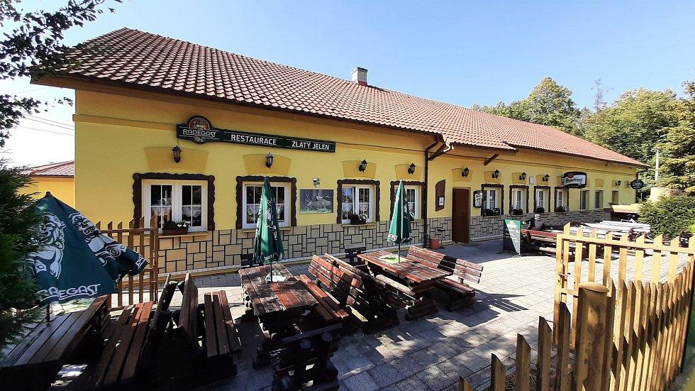 Bohumín-Šunychl. Klidná městská část, kde se rozkládá i Kališovo jezero, centrum letní příměstské rekreace.  Restaurace Zlatý jelen.