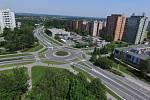 V pondělí 8. června začíná v Orlové oprava kruhové křižovatky u nemocnice. Omezení potrvají do srpna. Objízdná trasa je značena.