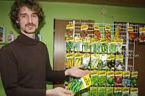 Prodejna nabízí i zeleninová semínka.