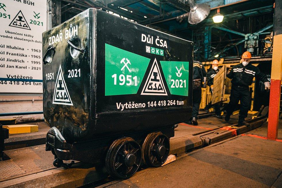 Poslední vozík uhlí vyjel i z Dolu ČSA u Karviné, šachta končí ve stejném týdnu jako sousední Důl Darkov.