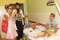 Zdravotní klauni potěšili děti v Havířovské nemocnici.