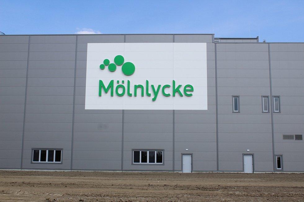 Slavnostní zahájení provozu v továrně Mölnlycke v Havířově-Dolní Suché 17. 5. 2017.