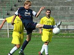 Orlovští fotbalisté si ve Slavičíně prodloužili šňůru neporazitelnosti na pět zápasů.