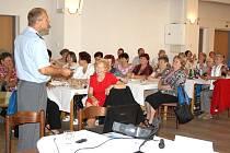 Spoustu užitečných informací, ale také dobrou zábavu přinesl první ročník akce Seniorden, kterou uspořádal rychvaldský Červený kříž.