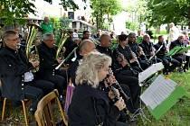 První ze série sedmi havířovských prázdninových promenádních koncertů pod širým nebem.