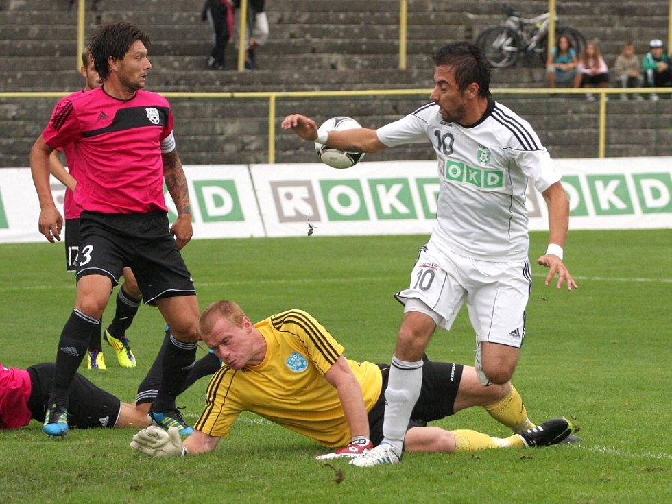 Admir Vladavič pohrdl tutovkou na začátku utkání.