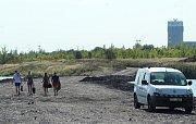 U karvinského moře jsou nově odpadkové koše a mobilní toalety. Oblíbené místo místních k rekreaci.