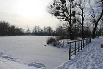 Zamrzlá Těrlická přehrada.