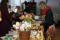 1. Dětmarovický velikonoční jarmark uspořádali o víkendu členové Českého svazu zahrádkářů Dětmarovice ve spolupráci s obecním úřadem a Klubem občanů Koukolná.
